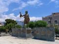 Areopoli, socha významného revolucionára Petrosa Mavromichalisa https://sk.wikipedia.org/wiki/Petros_Mauromichalis