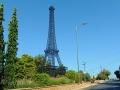 Model Eiffelovky za Filiatrou cestou do mesta Arta