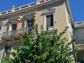 Cez Atény