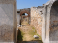 Filippi, postranné chodby divadla