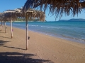 Slnečno na pláži Finiki neďaleko Methoni