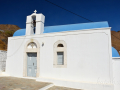 Kostolík Agia Theodora nad plážou Koutalas