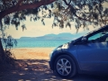 Pláž Mavrovouni, takto sme parkovali v tieni tamarišky