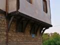 Edessa, typická stavba s arkierom.