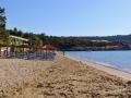 Skoutari, Mani, pohľad na pláž a tavernu Kalamakia.