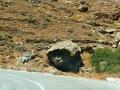 ostrov Tinos - balvan ohlodaný eróziou