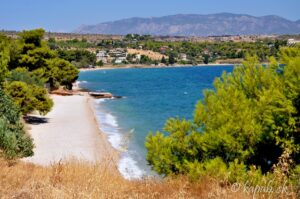 Smer Nafplio a Epidaurus: Na zábere je jedna z pláží pod Isthmosom.