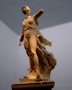 Olympia, socha Niké